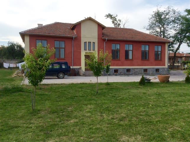 Luxurious room, private  bathroom near Svilengrad