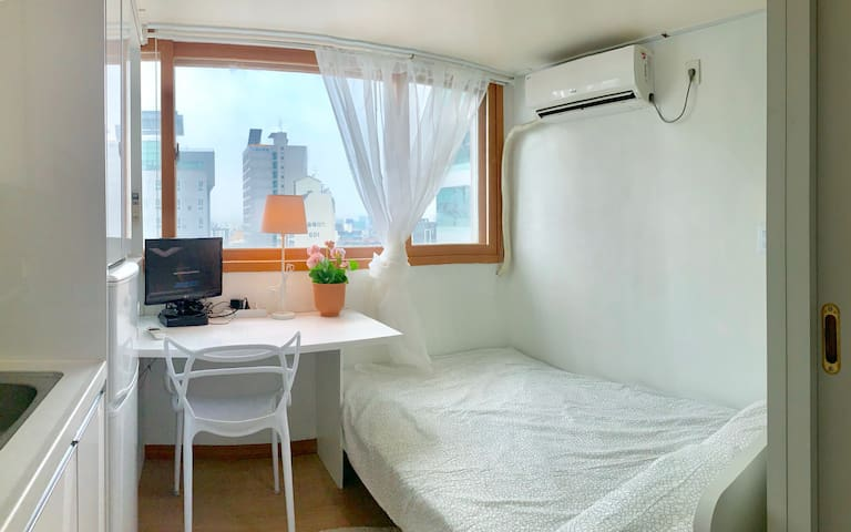 3mins * GangDong stn* LotteTowerView- free wifi/TV