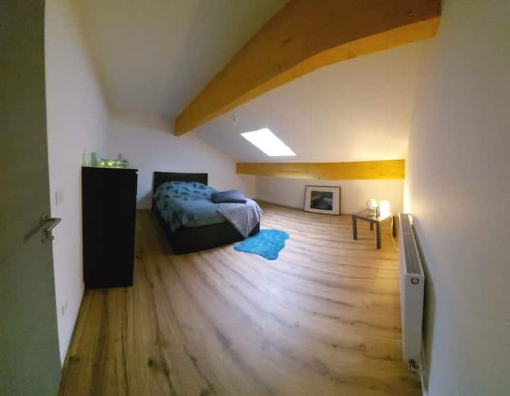 Chambre privée dans maison chaleureuse