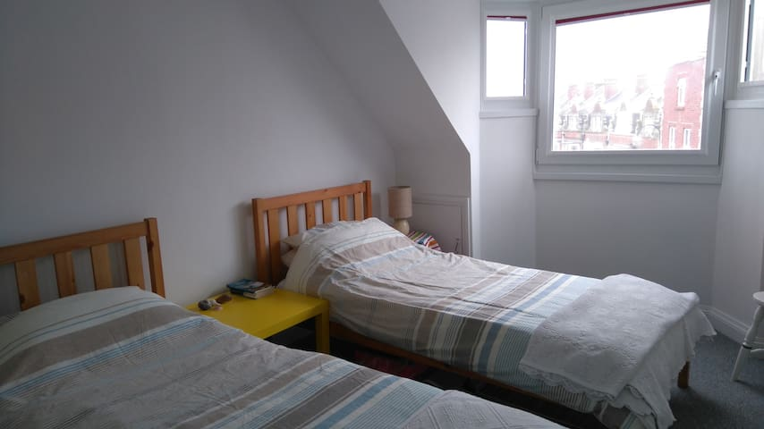 Sea view twin room in centre of Swanage - Swanage - Apartamento