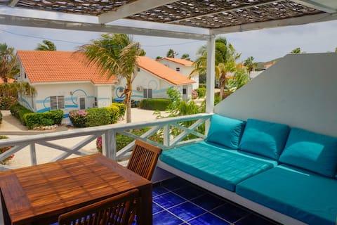 Turquoise Splendor: ocean side paradise escape