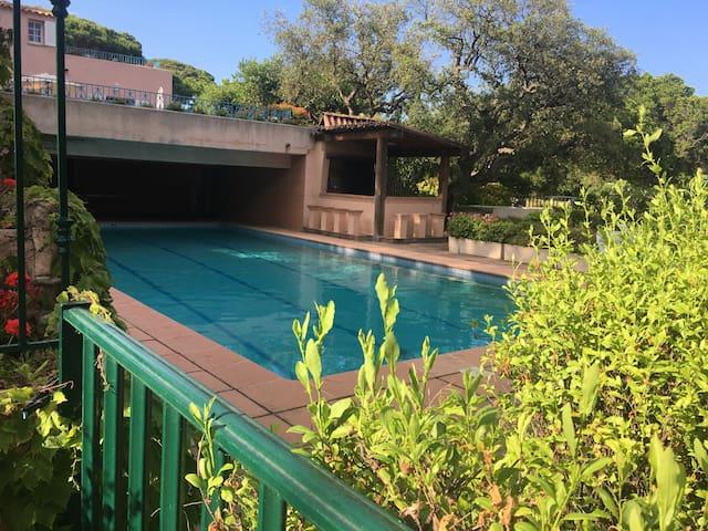 3 pièces+ terrasse avec piscine