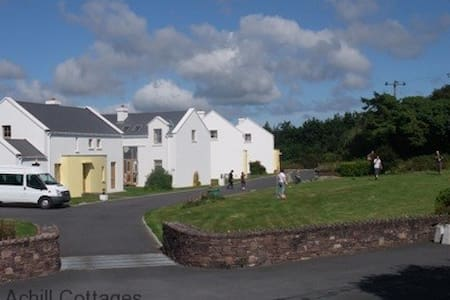 Achill Cottages no.1 - Haus