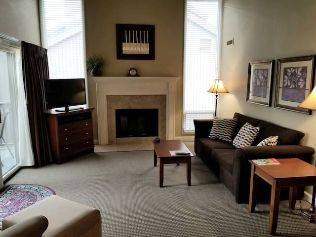 Amazing December prices ! Condo in Traverse City!