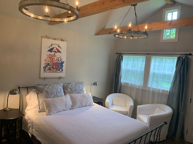 Modern Marigny Guesthouse (30 day minimum)