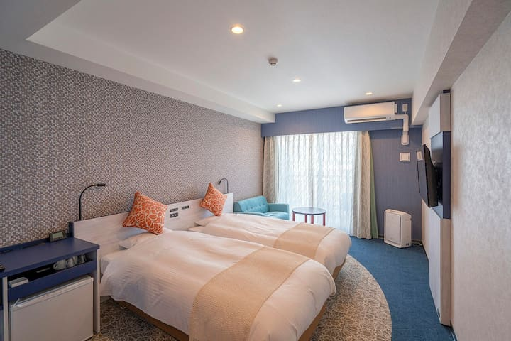 [Private room] Comfort-Twin with balcony(nonsmorking) Near by Sunset Beach & American Village