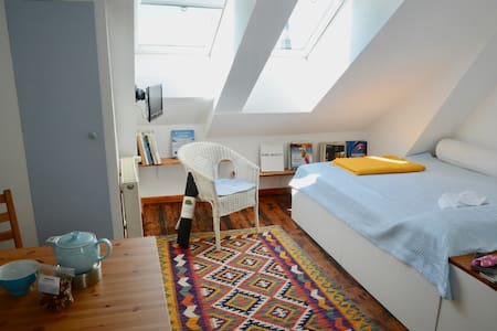super-snugly studio in Hamburg Centre