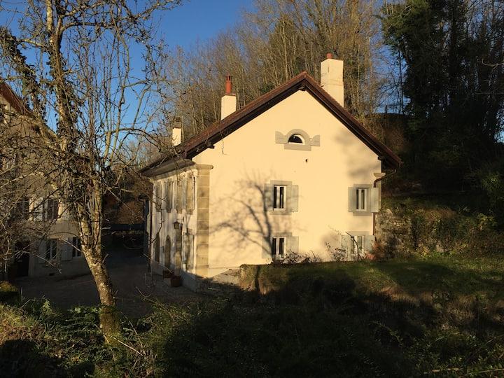 Petite maison en milieu rural