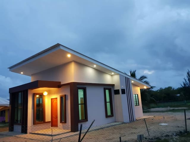 Izara Homestay Sibuti Branch 1