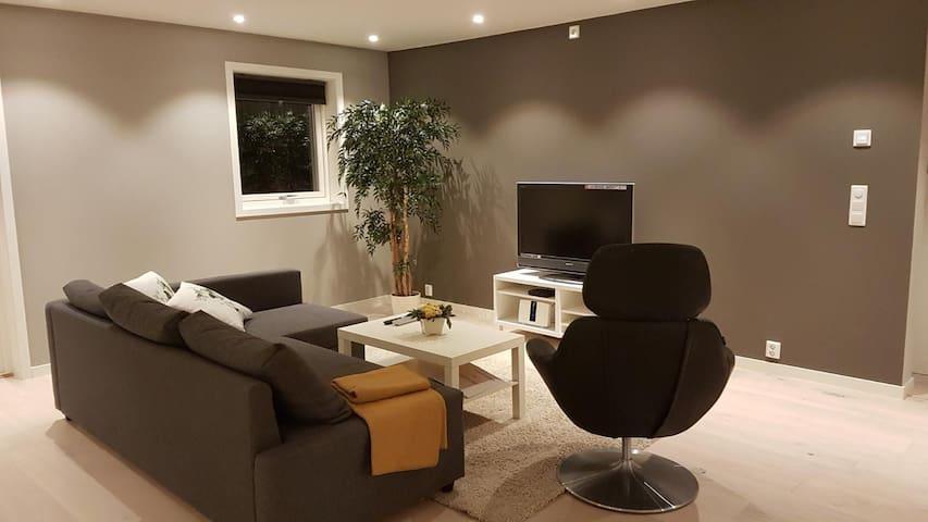 Moderne leilighet i tomannsbolig med 3 soverom