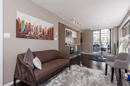 Amazing Views and Big Patio in DT Vancouver - Appartamento