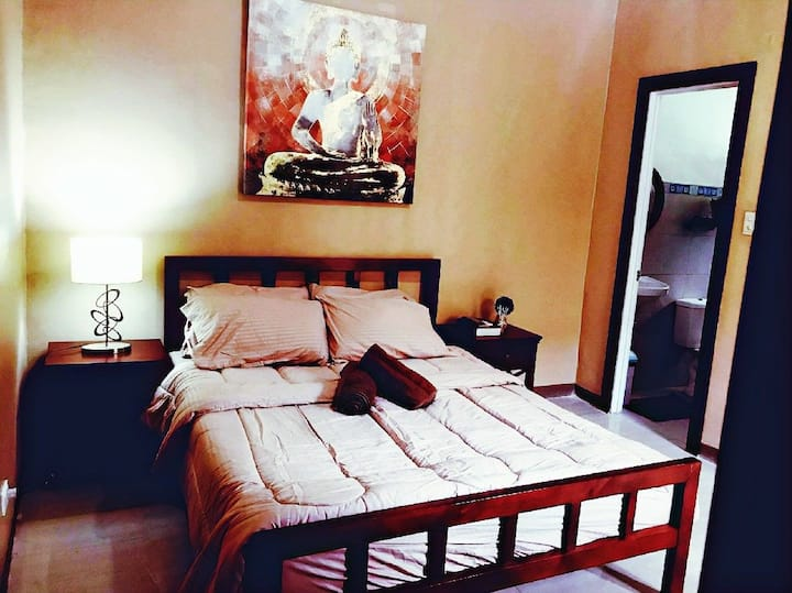 C25*Dumaguete*Carlo's Place: private family room