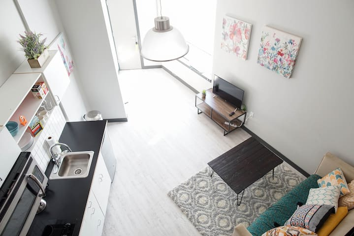 ♥City view loft, new building, super walkable +A/C