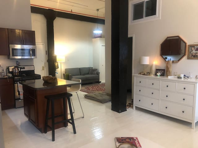 Beautiful loft space in lux bldng w all amenities