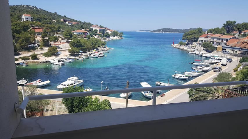 Seaside apartment near sea with 2 bedrooms - Ražanj - Wohnung