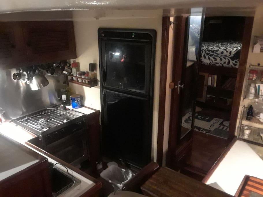 Fridge, freezer, stove, oven, kitchenware