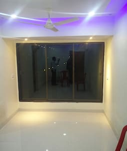 Private Room with AC and attached Bathroom. - Navi Mumbai - อพาร์ทเมนท์
