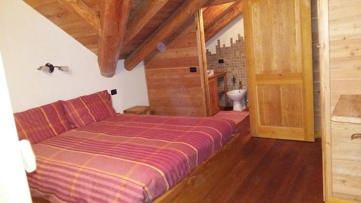 """Appartamento """"MARMOTTA""""a Pila a pochi km da Alagna"""