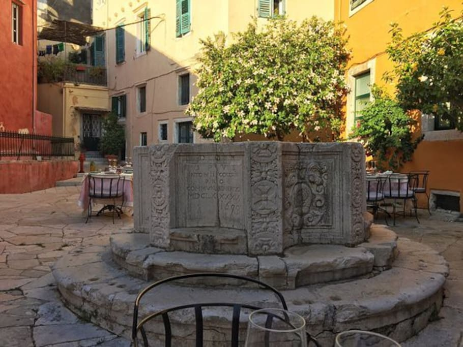 venetian well square
