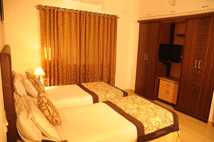 Cozy 1BH in Guindy ~ Deluxe Twin Bedroom 1 of 2