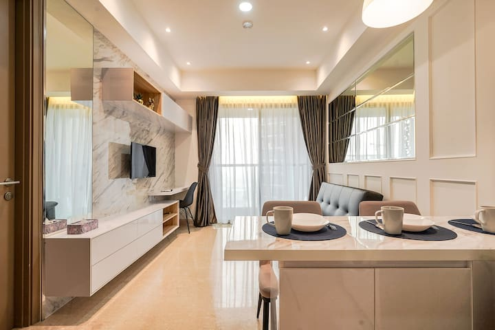 51m New, Clean and Cozy 1 BR Apt @ Gold Coast PIK