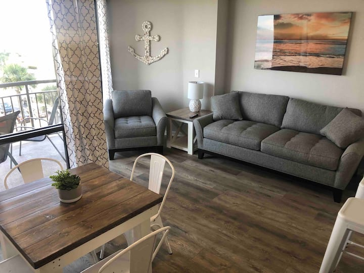 Perfectly located ocean view condo  (sleeps 6)