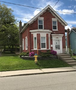 Spacious Home in Downtown Core!
