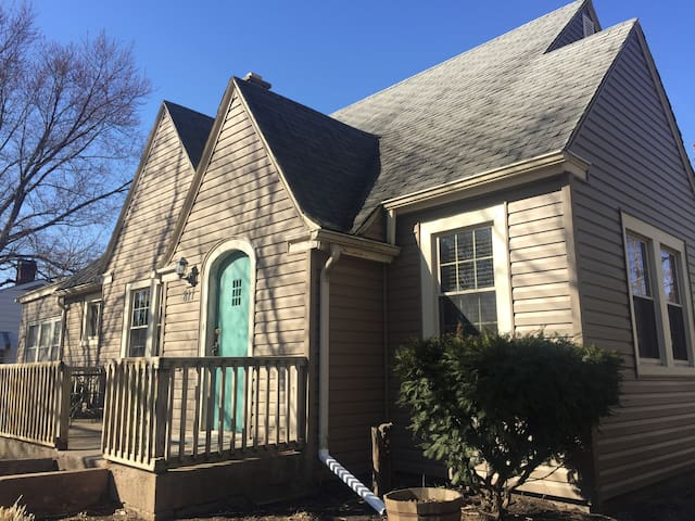 Comfy house in front of the park and close to NIU