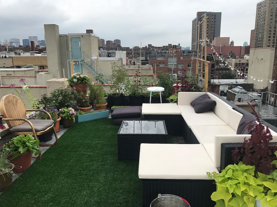 Top level of PRIVATE roof deck garden *all yours* !!! Views of Empire State Building, Williamsburg/Brooklyn/Manhattan Bridge, One World Trade, Chrysler Building & more !