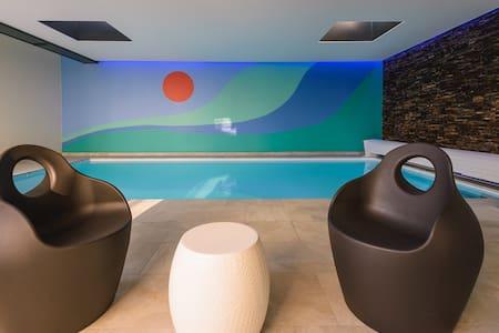 """Villa """"TY MAM'GOZ"""" avec sa belle piscine privée - Santec"""