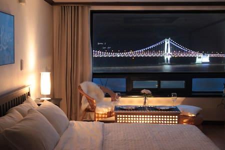 OceanView/Beach/광안리 바다를 품다! 지니하우스#3 - Suyeong-gu - Apartamento
