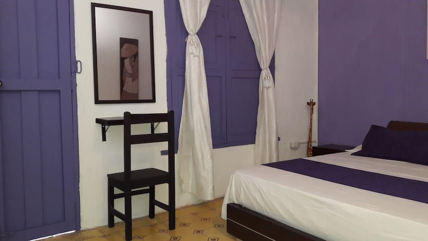 Spacious room in colonial house - Santa Marta - Talo