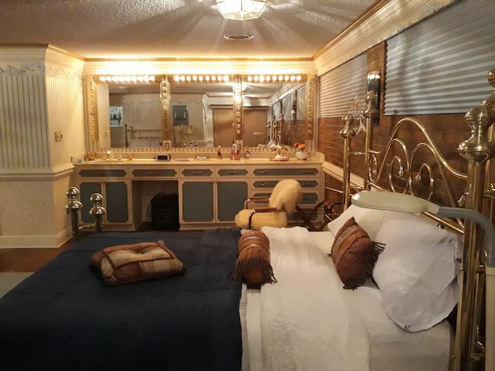 Scott's Baronial Guesthouse