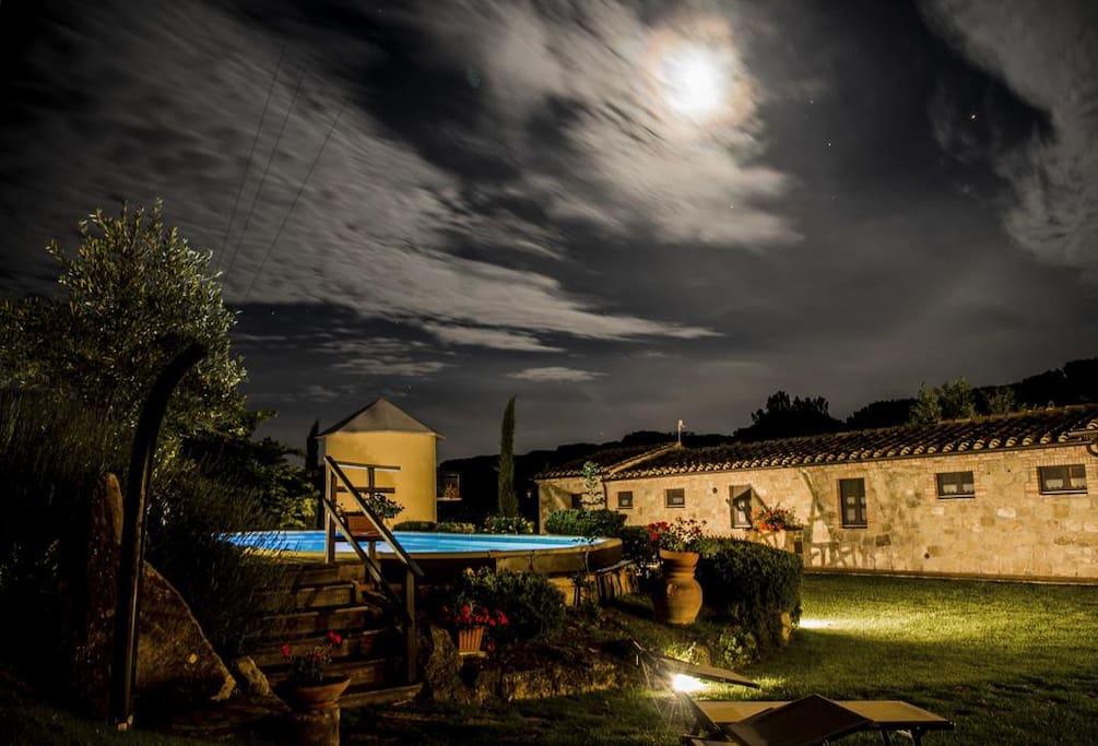 Palazzi del Papa by night