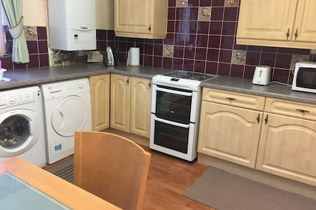 Three bedrooms second floor flat superb location