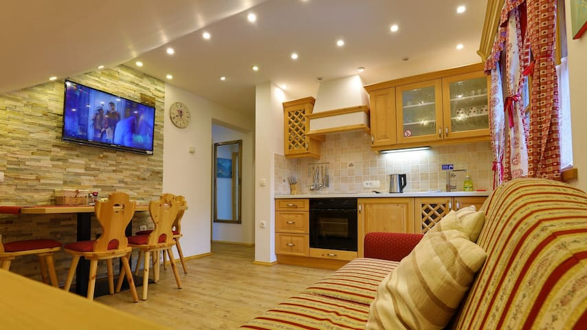 COZY One Bedroom apartment with balcony -Apartments VILLA FLORA