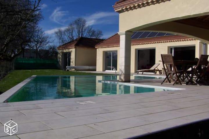 Villa 200m2 avec Piscine entre mer&montagne