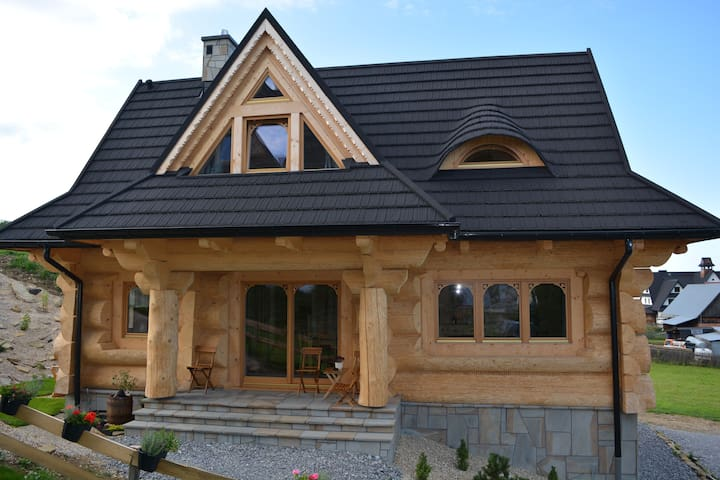 """Osada Witów - dom """"Miłosna Górska"""""""