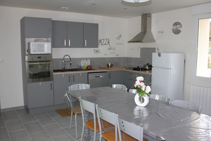 Chambres doubles meublées de septembre à juin - Marmande - Hus