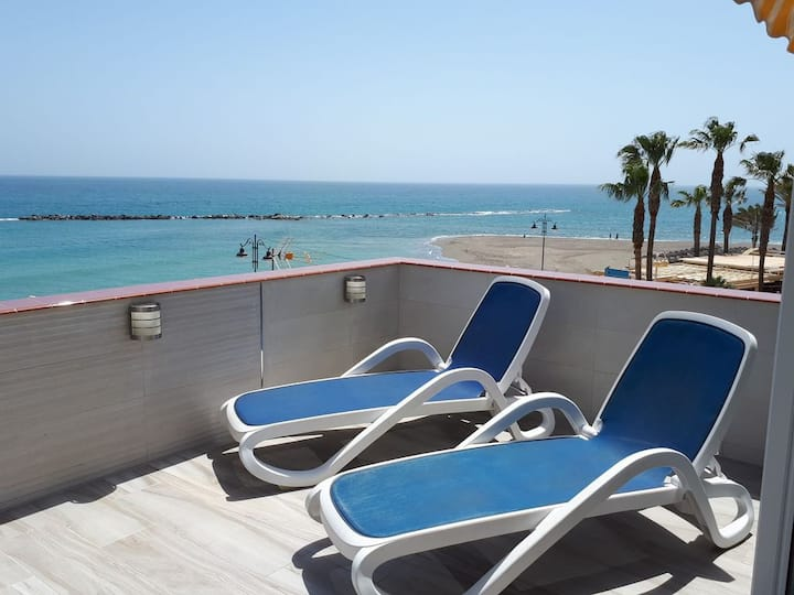 Luxury First-Line Beach-Front Apt VFT/MA02508 Wifi