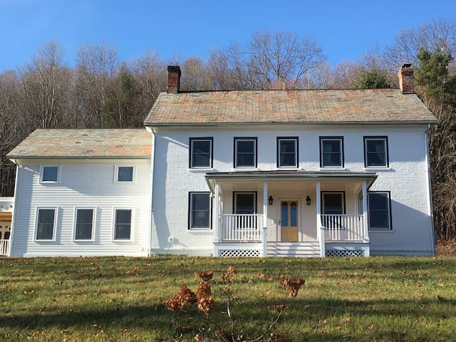 Beautiful Vermont Farm House - Shaftsbury - Huis