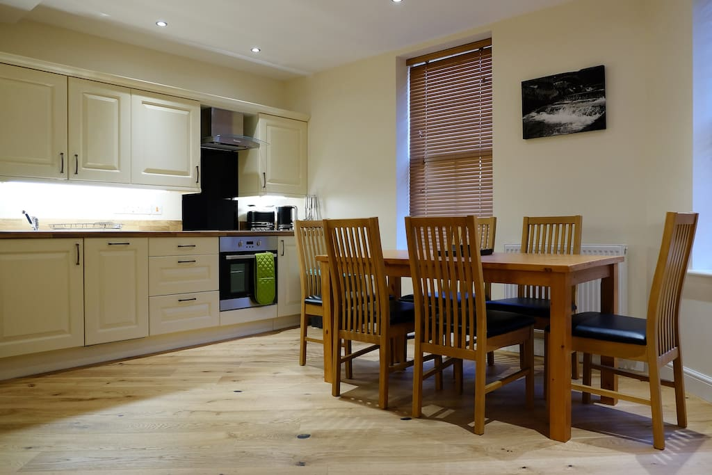Dining and kitchen at the Bakehouse self catering apartment in Rhayader.