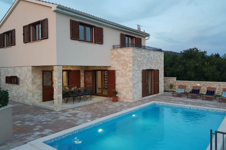 Secluded Villa in Stankovci with Private Swimming Pool