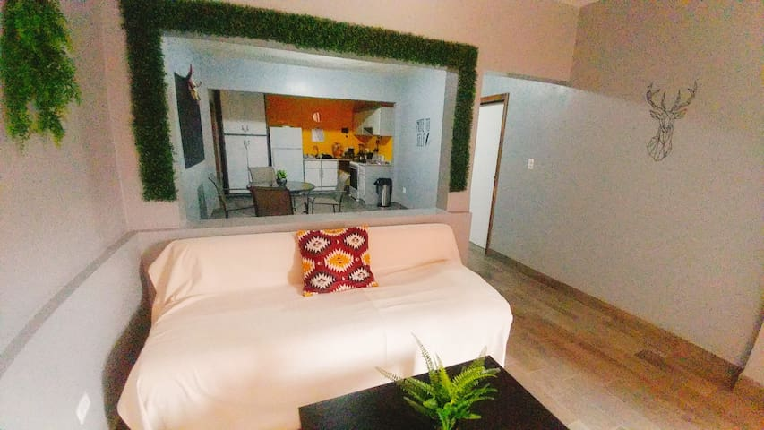 *COZY CUTE BEDROOM IN CENTRO-LA CACHO