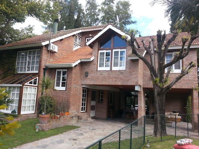 Casa Country Club Buenos Aires