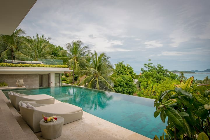 Infinity Private Pool
