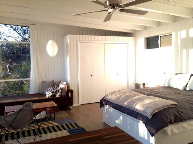 Silver Lake Hills Studio Retreat - Los Angeles - Casa
