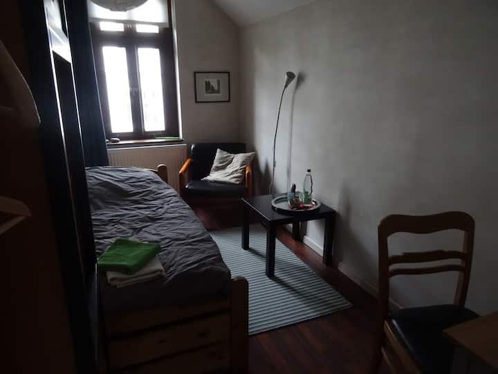 Schönes kleines Zimmer in zentraler Lage