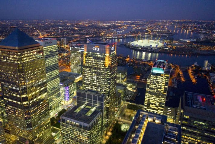 Spacious and modern ensuite in Canary Wharf London - ロンドン - 一軒家