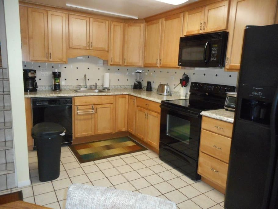 Updated full kitchen